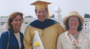 Evan-Finkelstein-with-his-wife-and-sister