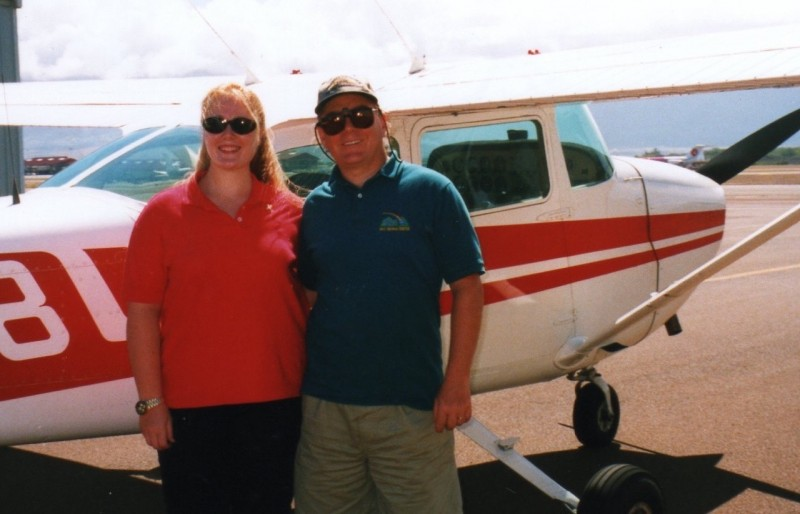 Aditi flying with her dad and MUM alumni Chris Gentsch in Maui Hawaii (1)